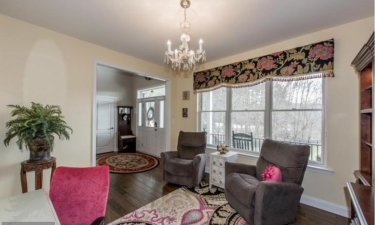 4405 Room Rd - Living Rm - Wissel Homes