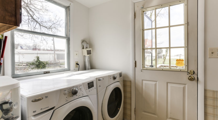 718 Meadowbrook Ave - Laundry ~ Wissel Homes